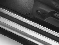 3C0071305 Накладки порога Passat B6